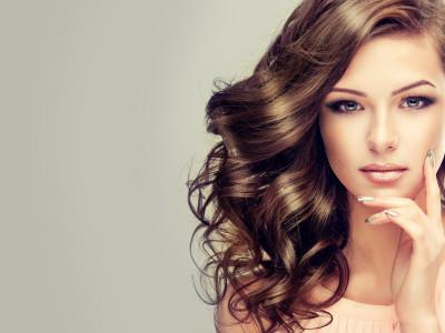 beautiful-girl-with-long-wavy-117264296